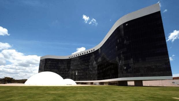 TSE prevê compra de 176 mil urnas eletrônicas para eleições de 2022