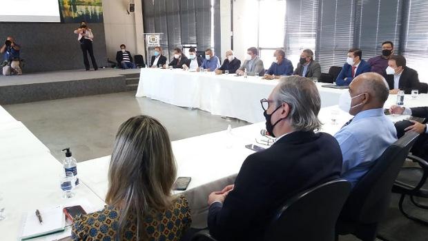 Proposta da prefeitura prevê funcionamento de bares e restaurantes com 50% da capacidade
