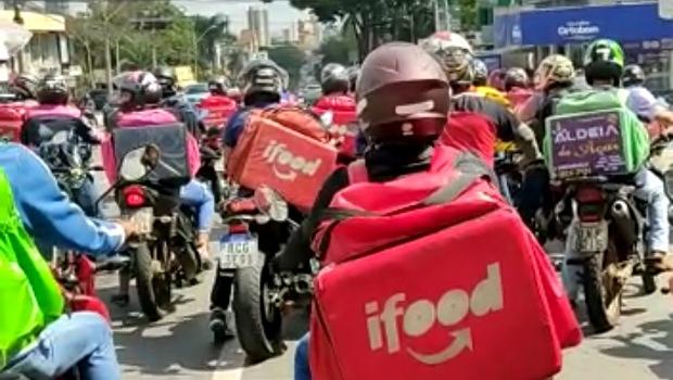 Entregadores por aplicativos realizam manifestação em Goiânia