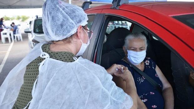 Apesar da chegada de novas doses, Goiânia e Aparecida não avançam na faixa etária da vacinação contra a Covid-19