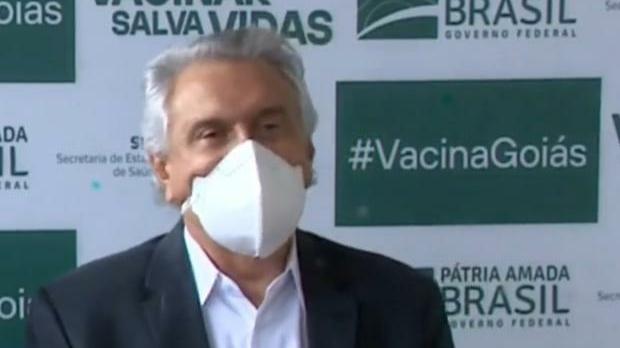 Caiado cobra liberação da vacina Sputnik V para o Brasil