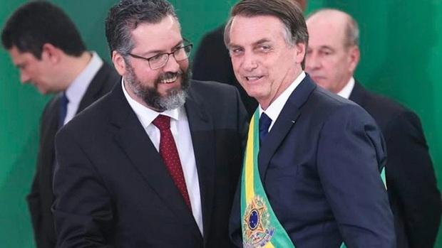 Para não governar, Bolsonaro transforma a Presidência numa fábrica de crises