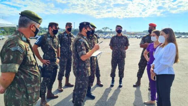 Exército nacional passa ajudar na aplicação de vacinas em Goiânia; capital receberá doses da Pfizer em breve