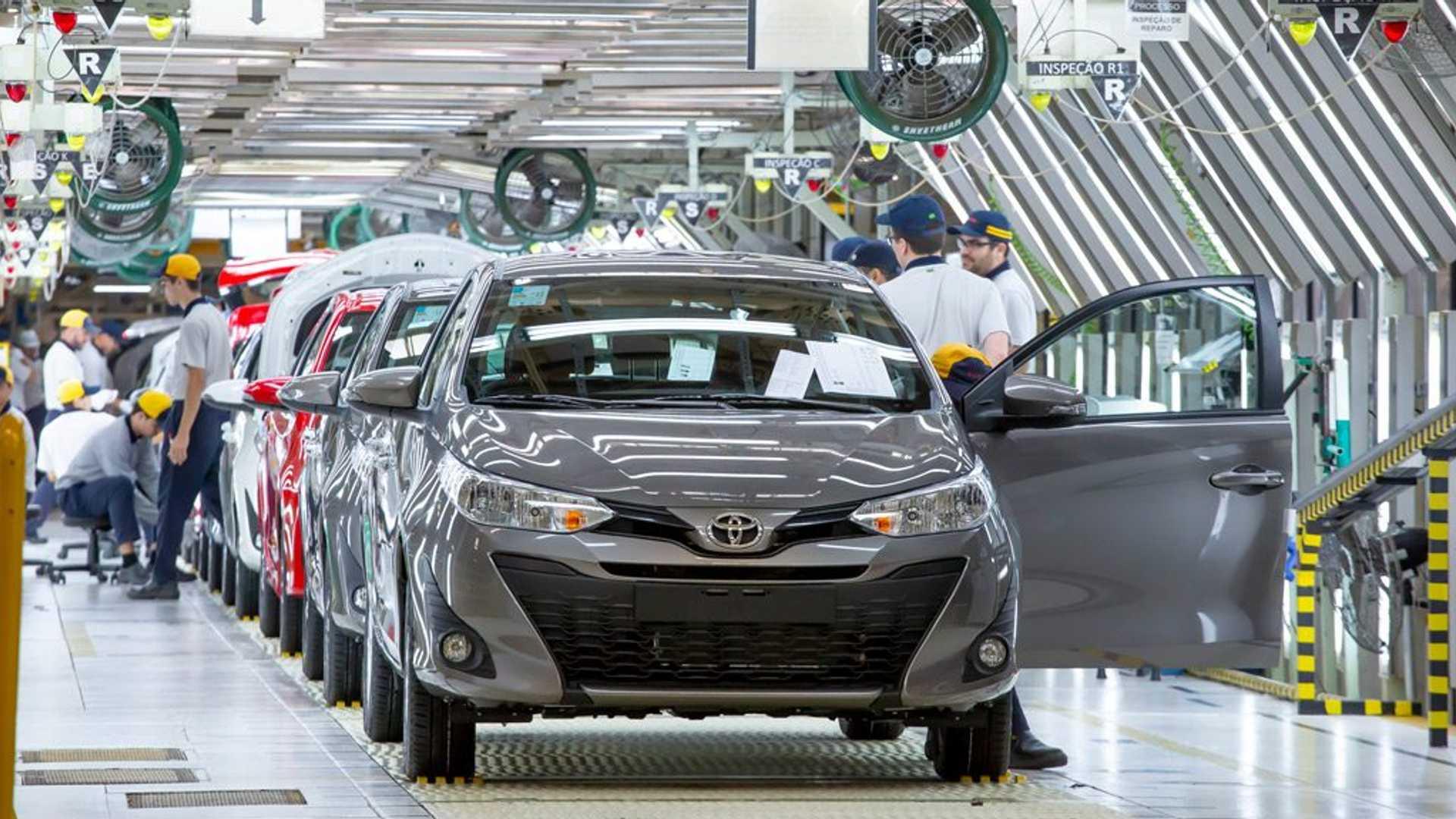 Boa notícia: montadoras, como Volkswagen e Toyota, reabrem suas fábricas no Brasil