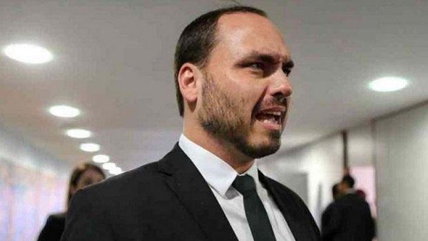 Carlos Bolsonaro participou de reunião com a Pfizer em dezembro, afirmou executivo da empresa