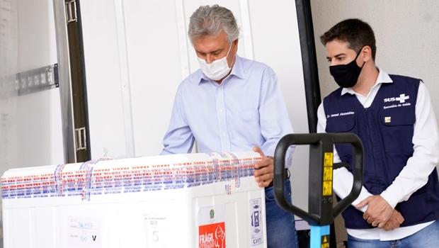 Goiás recebe mais de 130 mil novas doses da vacina AstraZeneca, nesta quinta-feira