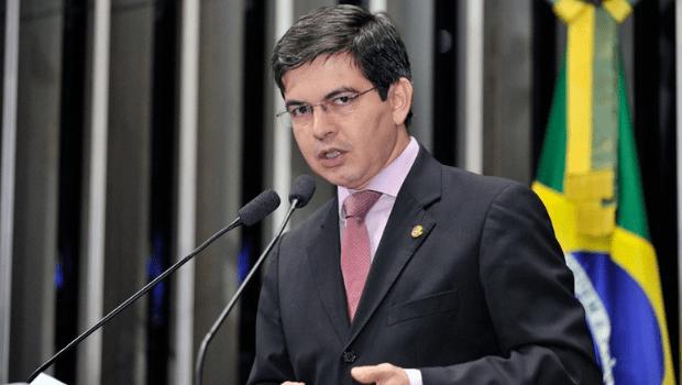 Senador Randolfe solicita convocação de  Bolsonaro à CPI da Pandemia