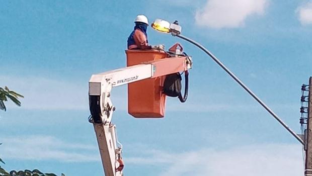 Bairros da capital recebem manutenção de iluminação pública