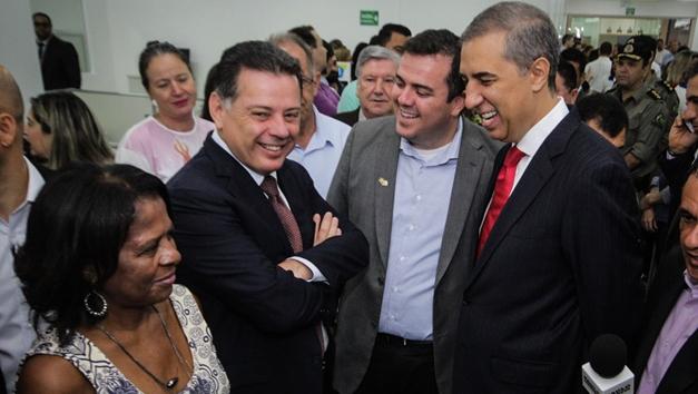 Se Mendanha desistir, Perillo deve se posicionar como candidato das oposições