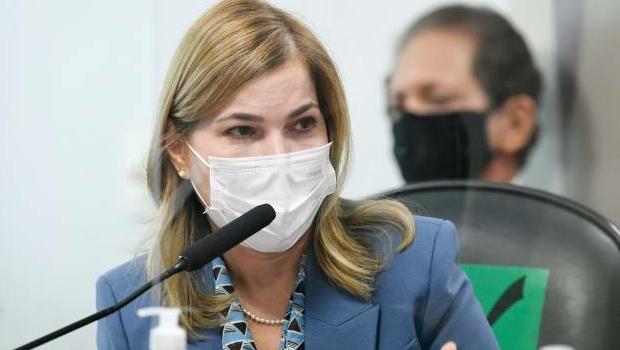 Após defesa de cloroquina por Mayra Pinheiro, especialista contesta influência do medicamento no tratamento da Covid