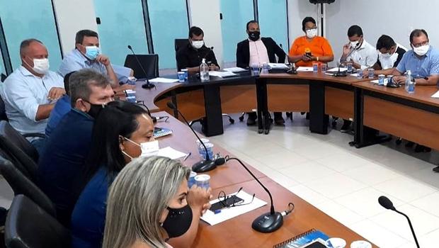 Em reunião da ATM, prefeitos decidem pela continuidade de aulas remotas alegando falta de segurança