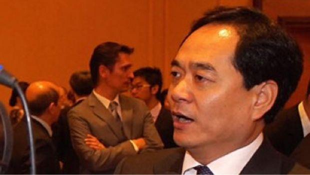 China anuncia apoio a quebra de patentes de vacinas contra a Covid-19