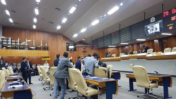 22 vereadores assinam manifesto contra a antecipação da eleição da mesa diretora