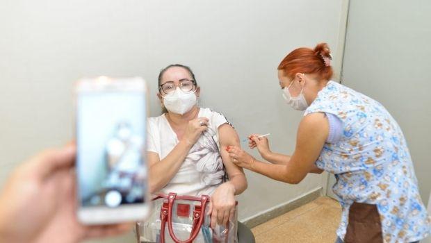 Vacinação contra Covid segue nesta segunda,17, em Goiânia para pessoas com comorbidades a partir de 18 anos e idosos