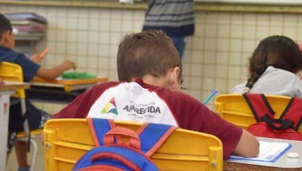 Aparecida abre 197 vagas em Processo Seletivo Simplificado com salários de R$ 2,7 mil para professores
