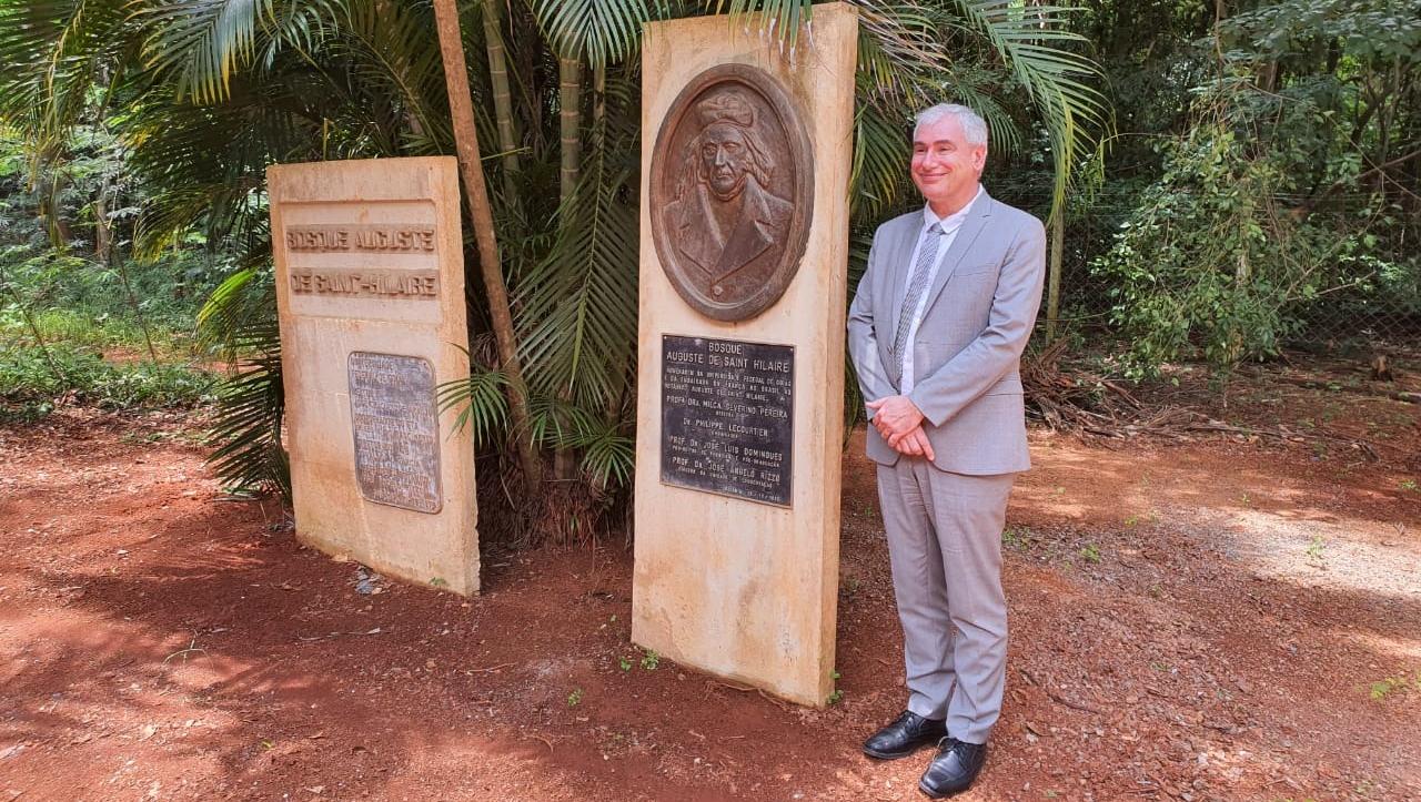 Palestra de botânico francês marca lançamento de livro sobre bicentenário de Saint-Hilaire em Goiás