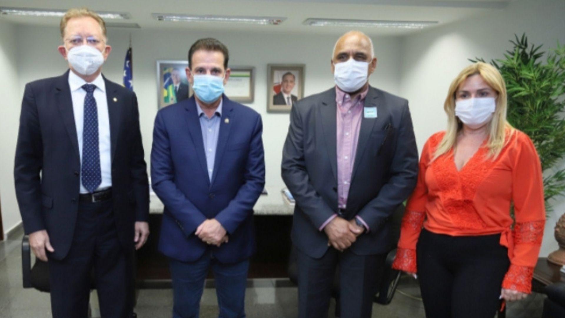 Rogério Cruz visita Vanderlan em Brasília e solicita emendas para obras em Goiânia