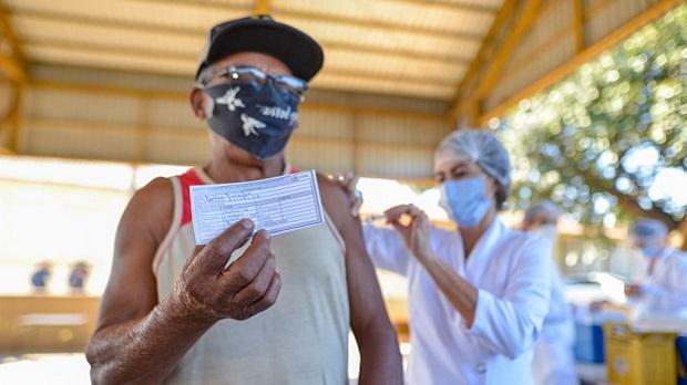 Goiânia inclui trabalhadores da saúde autônomos no grupo prioritário de vacinação