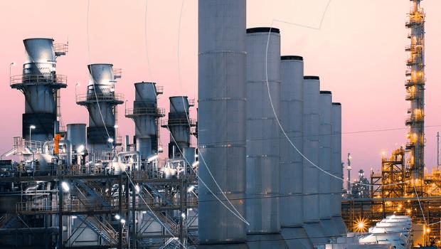 Para conter crise no setor elétrico, Aneel reajusta bandeira vermelha 2 em 52%