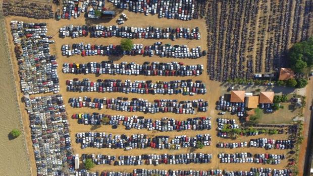 Número de veículos a serem leiloados pelo Detran sobe para 9 mil