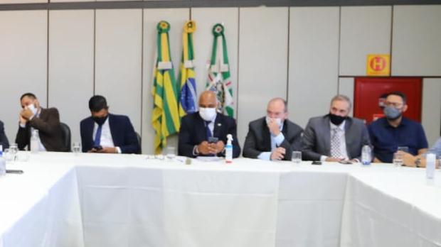 Rogério Cruz anuncia reabertura dos cinemas, teatros e circos com capacidade de 50% em Goiânia