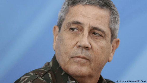 Deputados pedem a convocação de Braga Netto à CCJ da Câmara