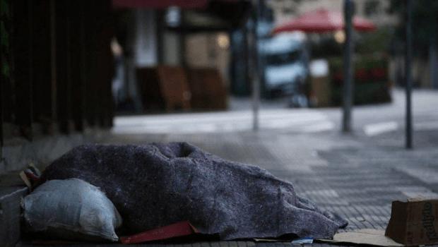 Quatro igrejas vão abrigar moradores de rua durante frente fria em Goiânia