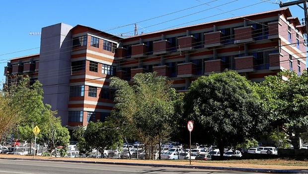 Justiça bloqueia recursos do Estado para aquisição de medicamentos oncológicos