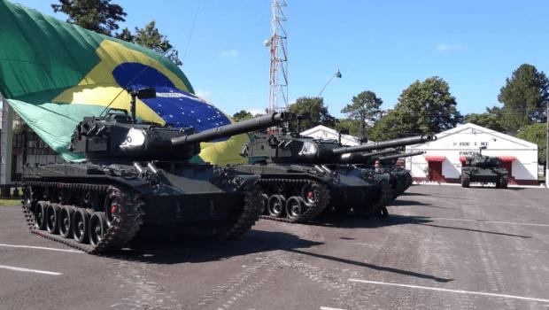 Desfile de tanques e armamentos na Esplanada é visto como intimidação pelos Parlamentares