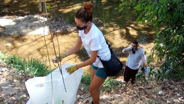 Moradores de Pirenópolis realizam ação em comemoração ao Dia de Combate à Poluição