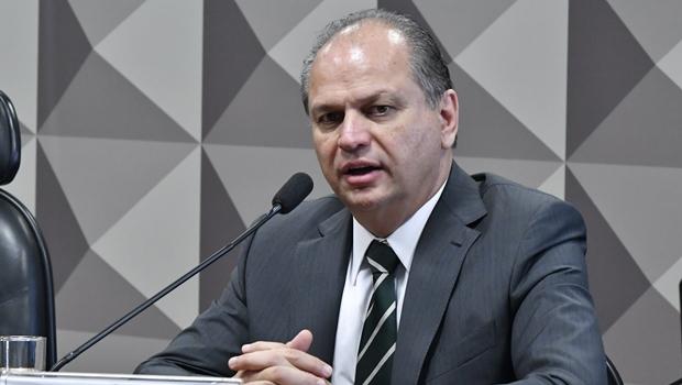 Após irritar senadores, sessão da CPI é encerrada e Ricardo Barros voltará como convocado