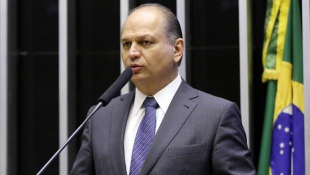 Líder do governo Ricardo Barros será ouvido sobre suspeitas na compra da Covaxin