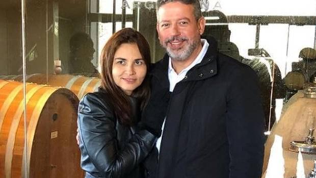 Esposa de Lira ganha cargo em governo de aliado de Bolsonaro