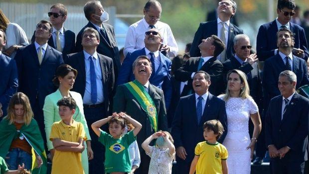 Lira, Pacheco e Fux ignoram convite de Bolsonaro para hasteamento da bandeira
