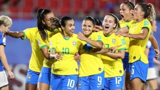 Seleção brasileira feminina de futebol goleia Argentina por 4×1