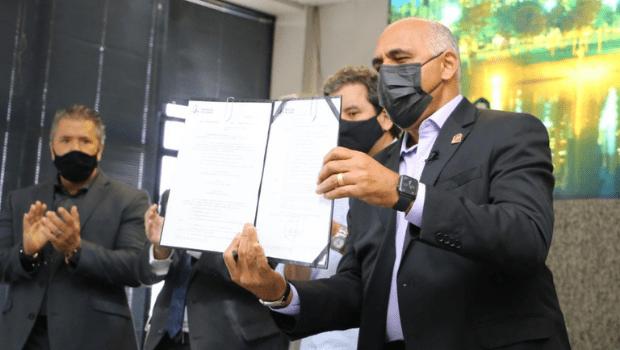 Rogério Cruz sanciona novo Código Tributário de Goiânia