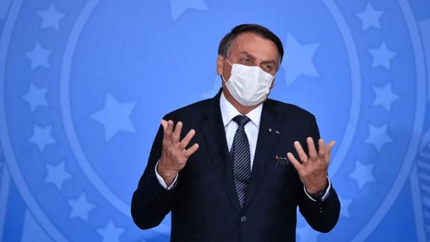 'Fake news faz parte da nossa vida. Não precisamos regular', diz Bolsonaro