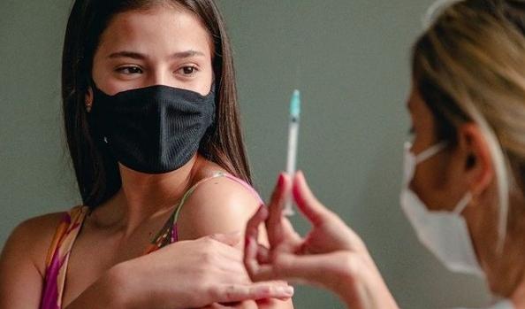 Anápolis seguirá com vacinação de adolescentes, afirma prefeito