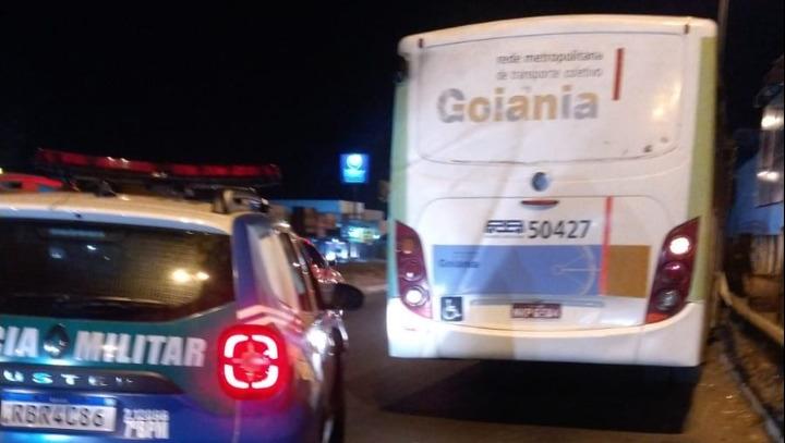 Suspeito é preso em flagrante após furtar ônibus coletivo no terminal Garavelo
