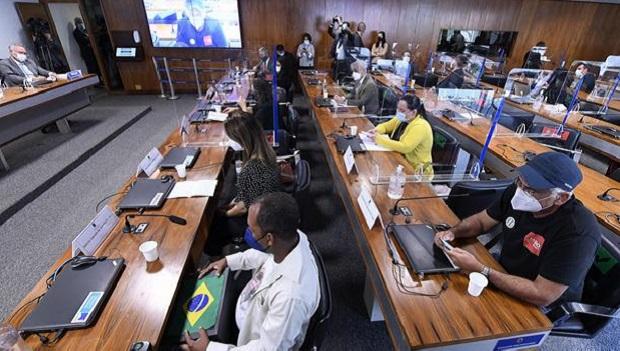 CPI da Covid ouve parentes de vítimas da pandemia em última sessão com depoimentos