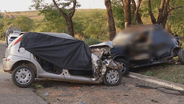 Acidente por ultrapassagem proibida deixa sete mortos na BR-040