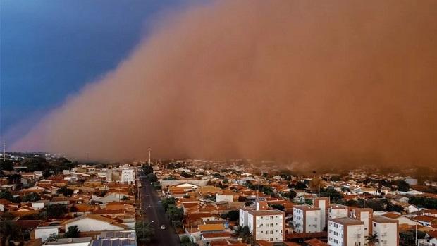 A chalana naufragada avisa Goiânia: as águas e os ares não são mais mansos no Centro-Oeste