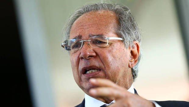 Governo não vai interferir em preço de combustíveis, diz Bolsonaro