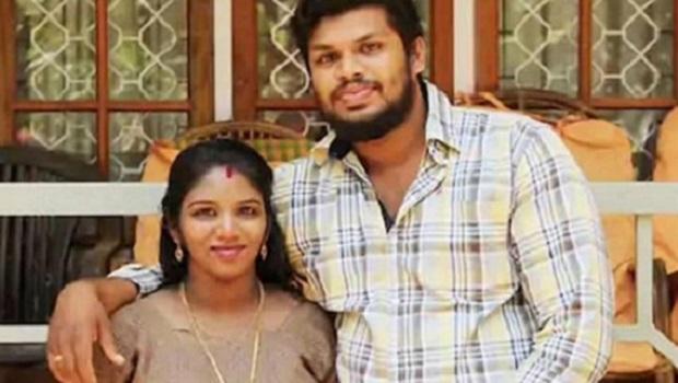 Marido é condenado a prisão perpétua dupla após usar cobra para matar mulher