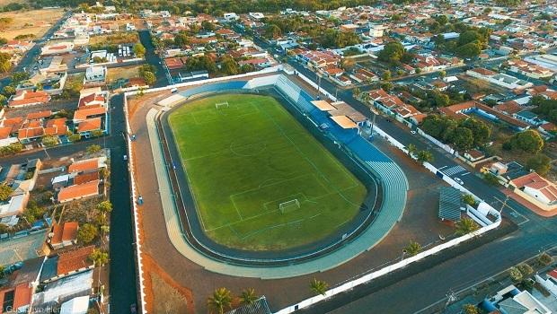 MP aciona prefeitura de Goiatuba para impedir repasse indevido de R$ 800 mil a clube de futebol