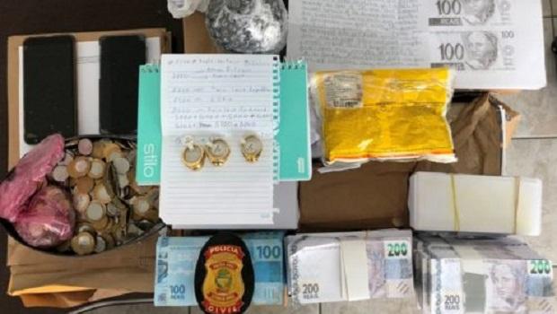 Polícia deflagra operação contra estelionatários que prometiam transformar papel em dinheiro