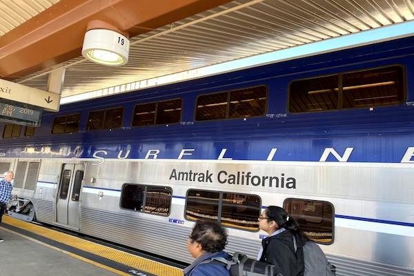 サンディエゴ ロサンゼルス 電車