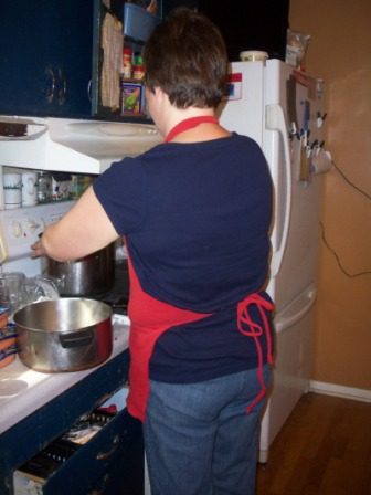t-shirt-apron-mom-back