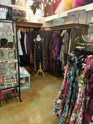Shop 3 (300x400)