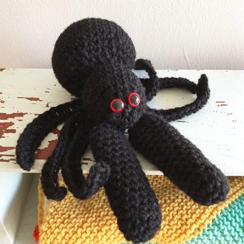 spider finger puppet crochet